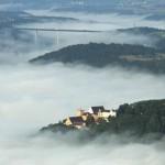 Weitenburg und Autobahnbrücke bei WeitingenLuftbild: Manfred Grohe